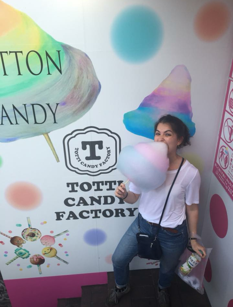 Rainbow cotton candy from Totti Candy Factory