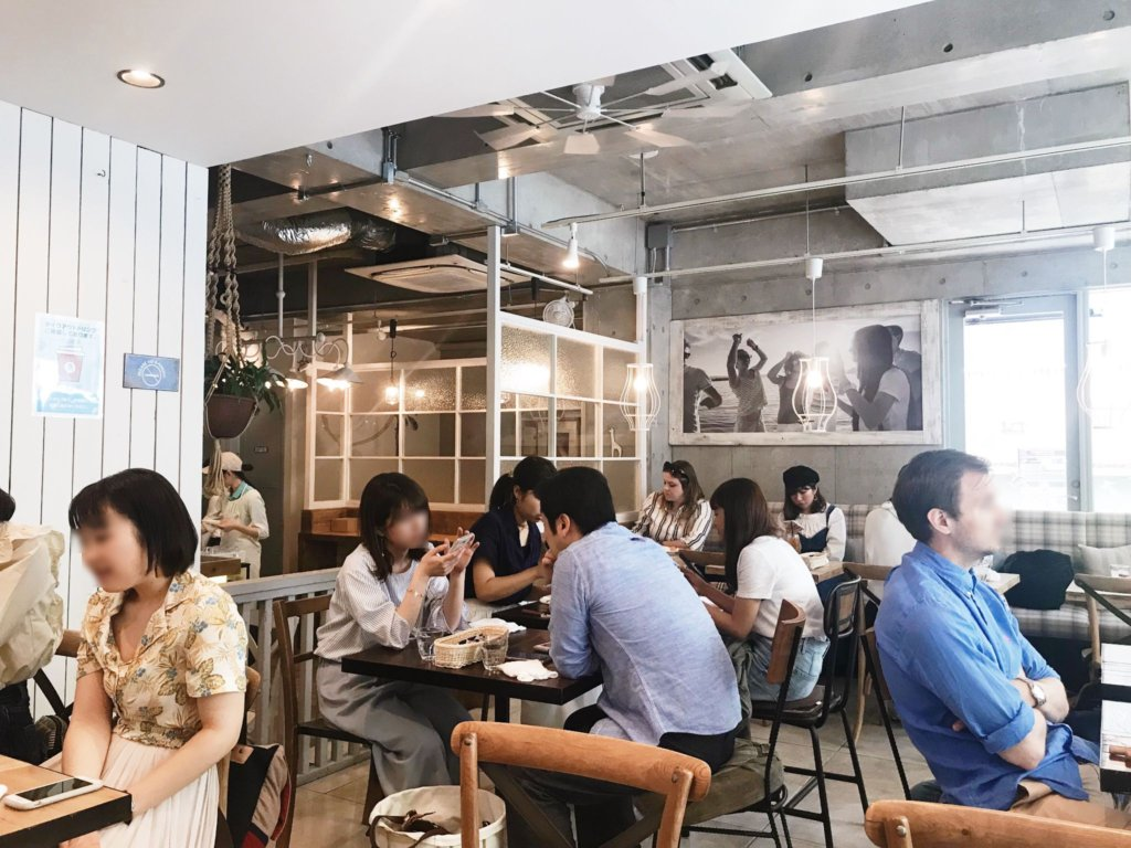 Great vibes. Friends, couples, family – this café is for everyone