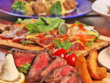A rich variety of meat courses such as sirloin steaks